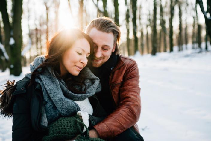 Portrait Coupleshoot Paarshoot Paarfotos Paerchen Engagement Verlobung Liebe verliebt Storytelling Kassel Frankfurt Hannover Winter Schnee