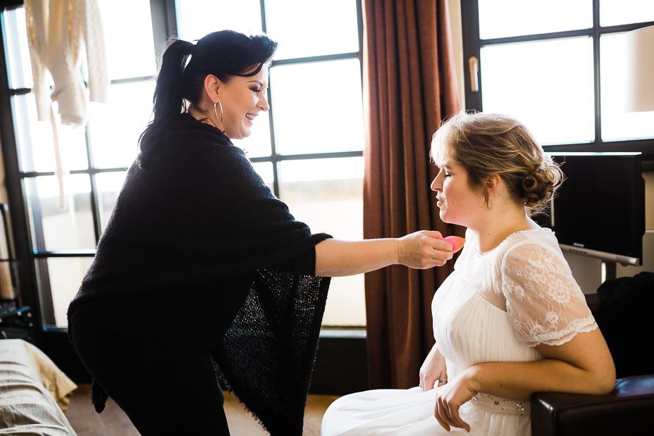 ochzeitsfotograf Wedding Photography Hochzeitsreportage Kassel Frankfurt Würzburg Hannover Hamburg München Vorbereitungen Getting Ready Schloss Waldeck