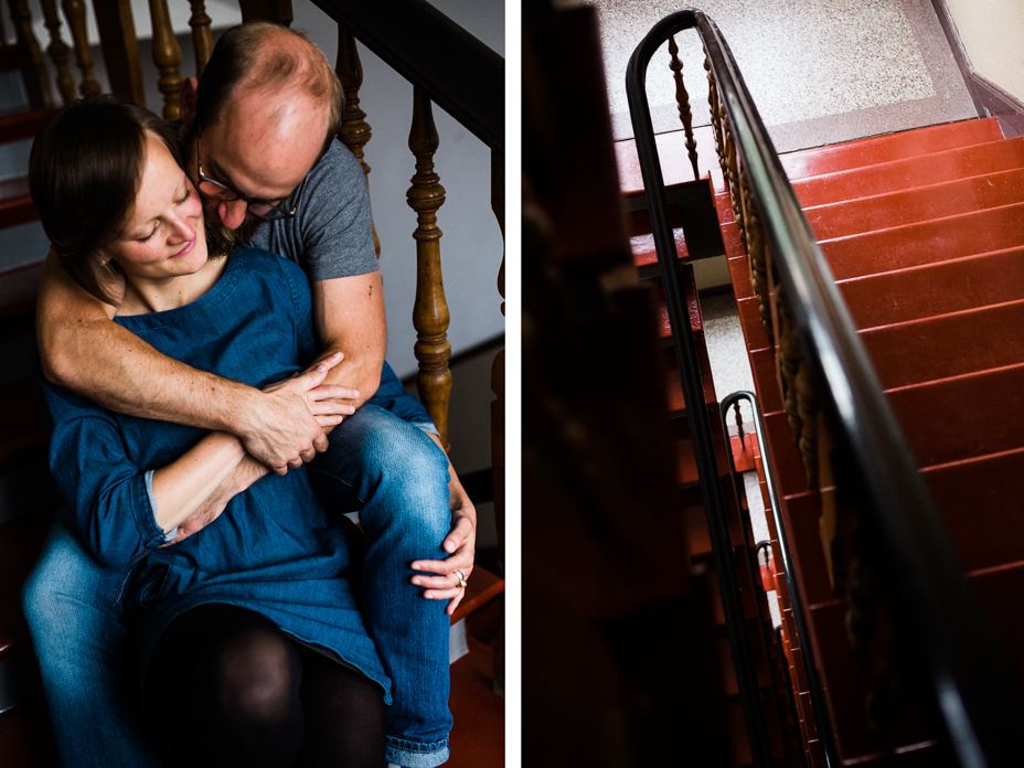 Engagementshoot zuhause Verlobungsshoot Couple Pärchenshoot Paarfotos Verlobungsfotos indoor Homestory Storytelling Lifestyle verliebt