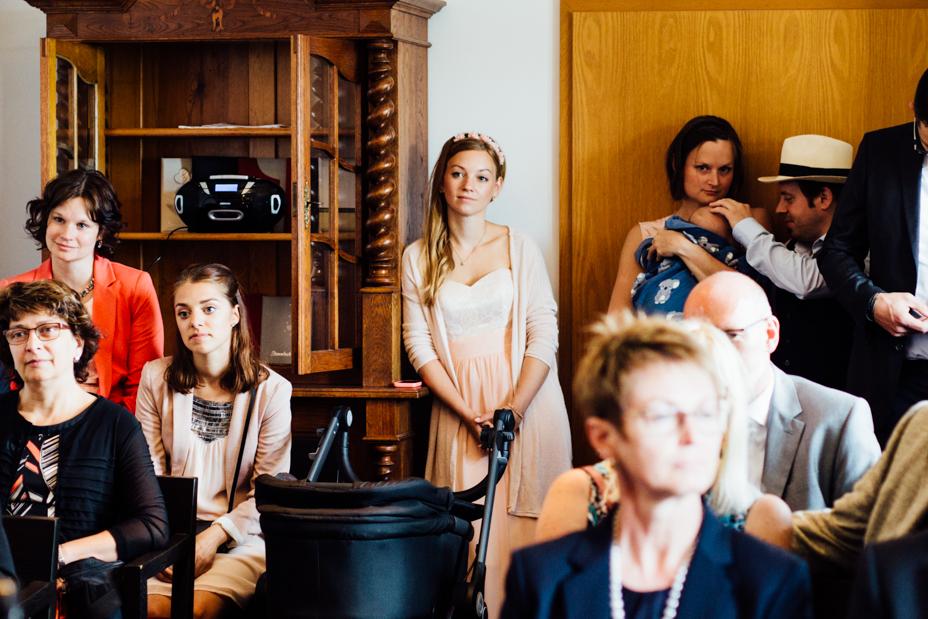 Heiraten bei jedem Wetter Standesamt Hochzeitsfotografie Kassel Waldeck Edersee StrandhausHochzeitsfotograf Wedding Photographer Ganztagesreportage