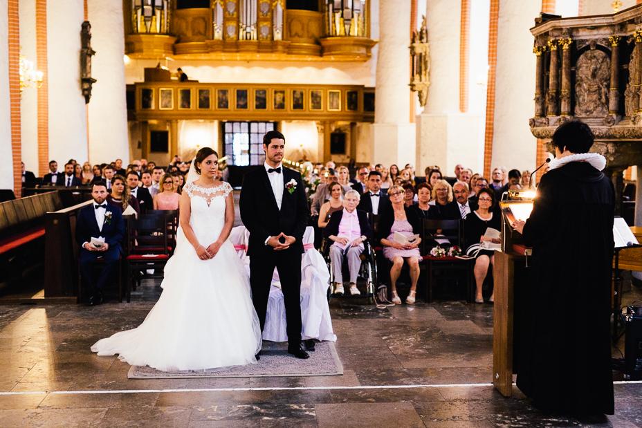 Ein Tag in Hamburg`s Speicherstadt Hochzeitsreportage Hamburg Kaispeicher B Deck 10 Alster Hochzeitsfotograf St. Jacobi Kirche