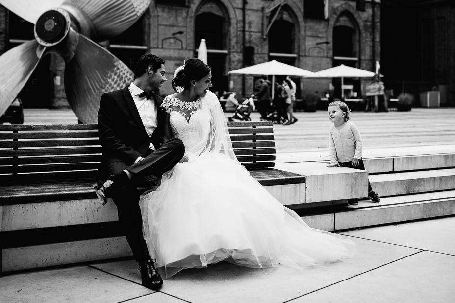 Ein Tag in Hamburg`s Speicherstadt Hochzeitsreportage Hamburg Kaispeicher B Deck 10 Alster Hochzeitsfotograf
