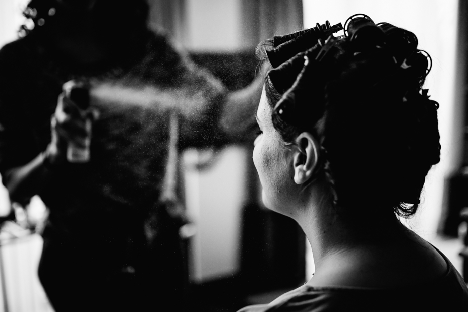 Hochzeitsfotograf Kassel Hochzeitsreportage Storytelling Steampunk WeddingPhotographer Inka Englisch Photography Grischäfer Kaskadenwirtschaft Kassel Reise in eine andere Zeit Steampunk Hochzeit steampunk wedding zahnräder viktorianisch Liebe freie Trauung Friederike Delong Dampfmaschine Deko Meike Thienemann Getting Ready Schlosshotel Nora Hanse Styling