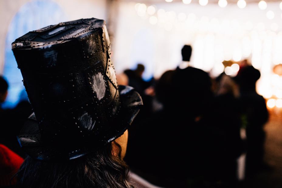 Hochzeitsfotograf Kassel Hochzeitsreportage Storytelling Steampunk WeddingPhotographer Inka Englisch Photography Grischäfer Kaskadenwirtschaft Kassel Reise in eine andere Zeit Steampunk Hochzeit steampunk wedding zahnräder viktorianisch Liebe freie Trauung Friederike Delong Dampfmaschine Deko Meike Thienemann