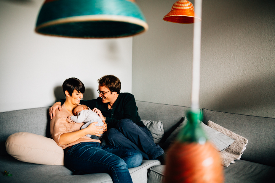 Neugeborenenshoot Baby Homestory Newbornshooting Kassel Goettingen Inka Englisch Photography zuhause storytelling lifestyle Frankfurt