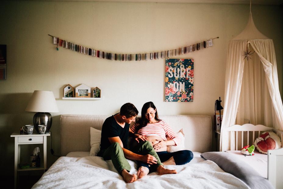Babybauchshoot-Kassel-Inka Englisch Photography-Schwangerschaft-Foto-Fotoshoot-Babybauch-Pregnancy-Homestory-zuhause-16
