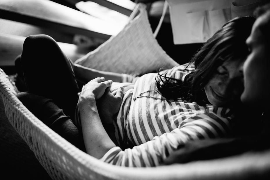 Babybauchshoot-Kassel-Inka Englisch Photography-Schwangerschaft-Foto-Fotoshoot-Babybauch-Pregnancy-Homestory-zuhause-30