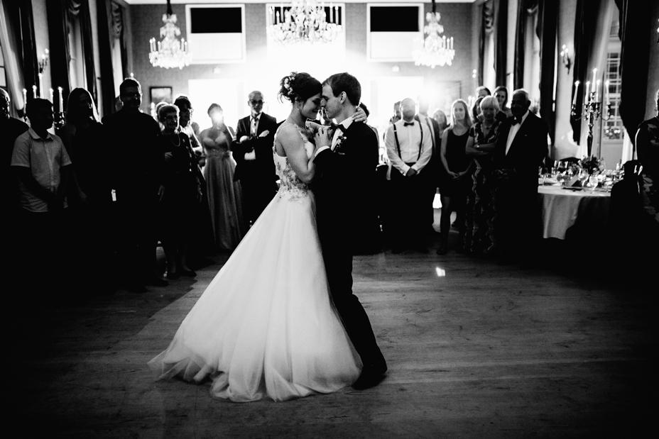 Hochzeitsfotograf-Kassel-Bad Driburg-Graeflicher Park-Inka Englisch Photography-Hochzeitsreportage-Regenhochzeit-entspannt-storytelling-wedding photographer-115