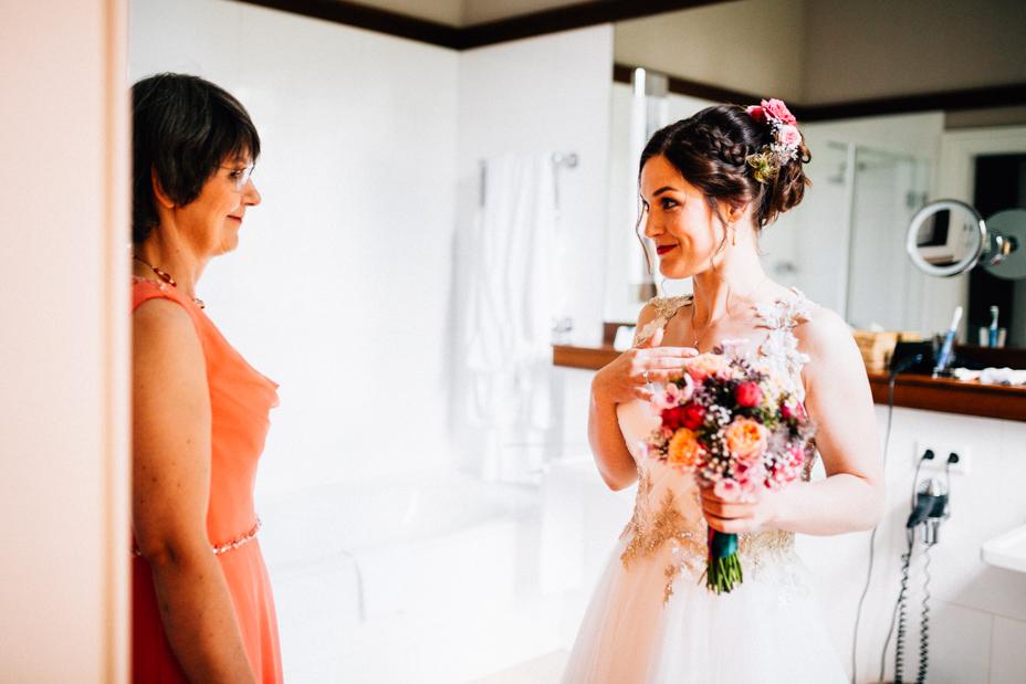 Hochzeitsfotograf-Kassel-Bad Driburg-Graeflicher Park-Inka Englisch Photography-Hochzeitsreportage-Regenhochzeit-entspannt-storytelling-wedding photographer-28