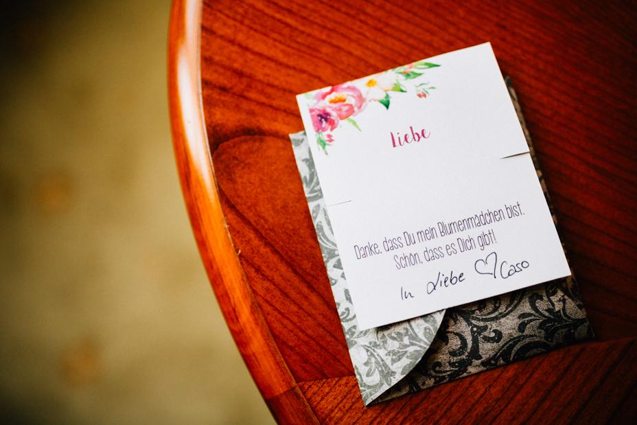 Hochzeitsfotograf-Kassel-Bad Driburg-Graeflicher Park-Inka Englisch Photography-Hochzeitsreportage-Regenhochzeit-entspannt-storytelling-wedding photographer-4
