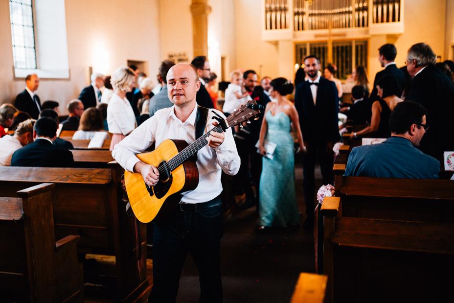 Hochzeitsfotograf-Kassel-Bad Driburg-Graeflicher Park-Inka Englisch Photography-Hochzeitsreportage-Regenhochzeit-entspannt-storytelling-wedding photographer-43