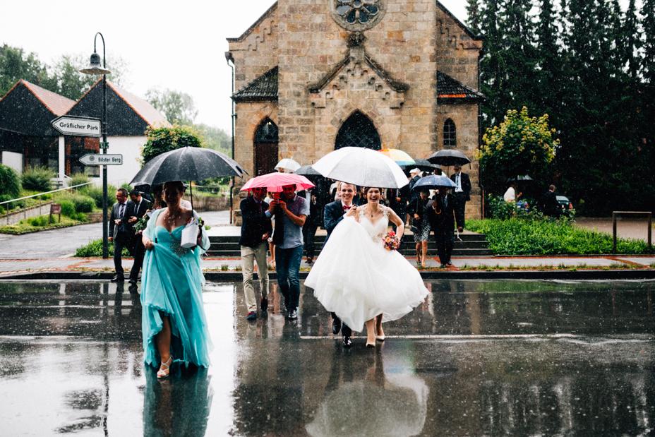 Hochzeitsfotograf-Kassel-Bad Driburg-Graeflicher Park-Inka Englisch Photography-Hochzeitsreportage-Regenhochzeit-entspannt-storytelling-wedding photographer-49