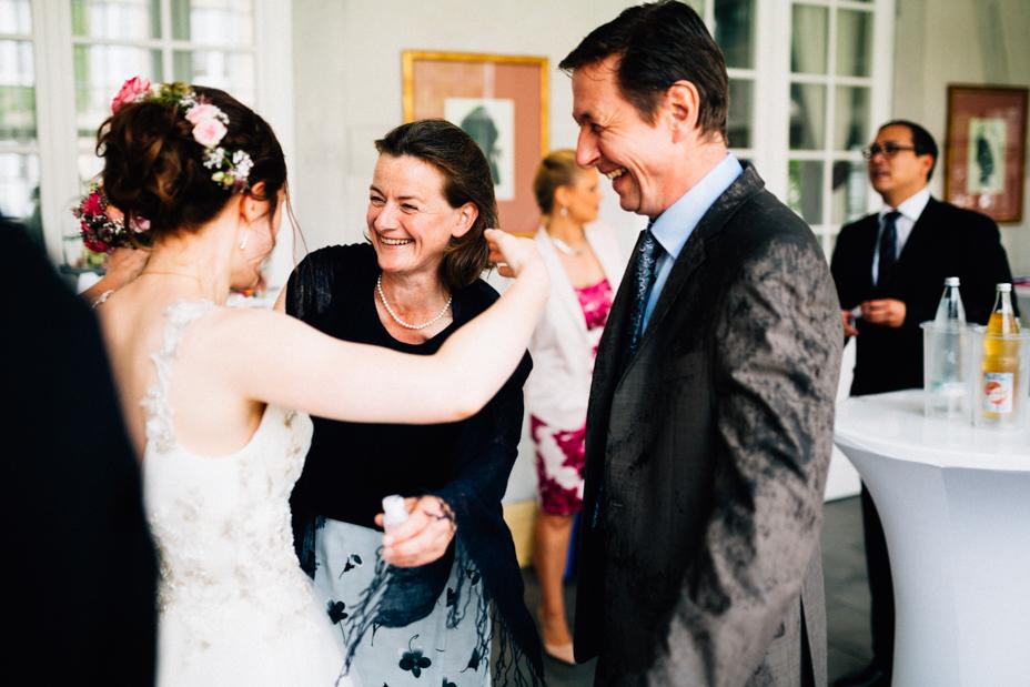 Hochzeitsfotograf-Kassel-Bad Driburg-Graeflicher Park-Inka Englisch Photography-Hochzeitsreportage-Regenhochzeit-entspannt-storytelling-wedding photographer-55