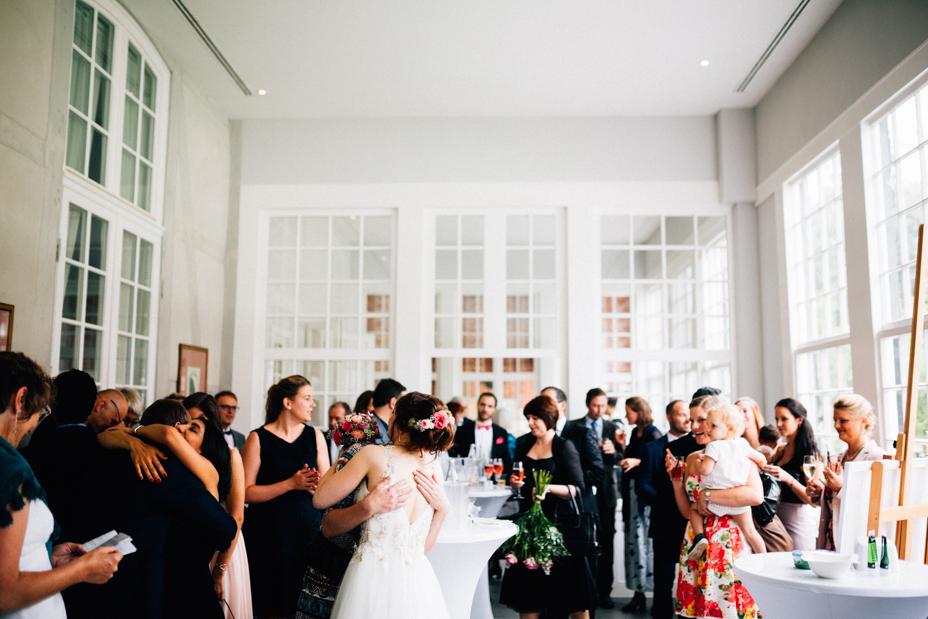 Hochzeitsfotograf-Kassel-Bad Driburg-Graeflicher Park-Inka Englisch Photography-Hochzeitsreportage-Regenhochzeit-entspannt-storytelling-wedding photographer-57