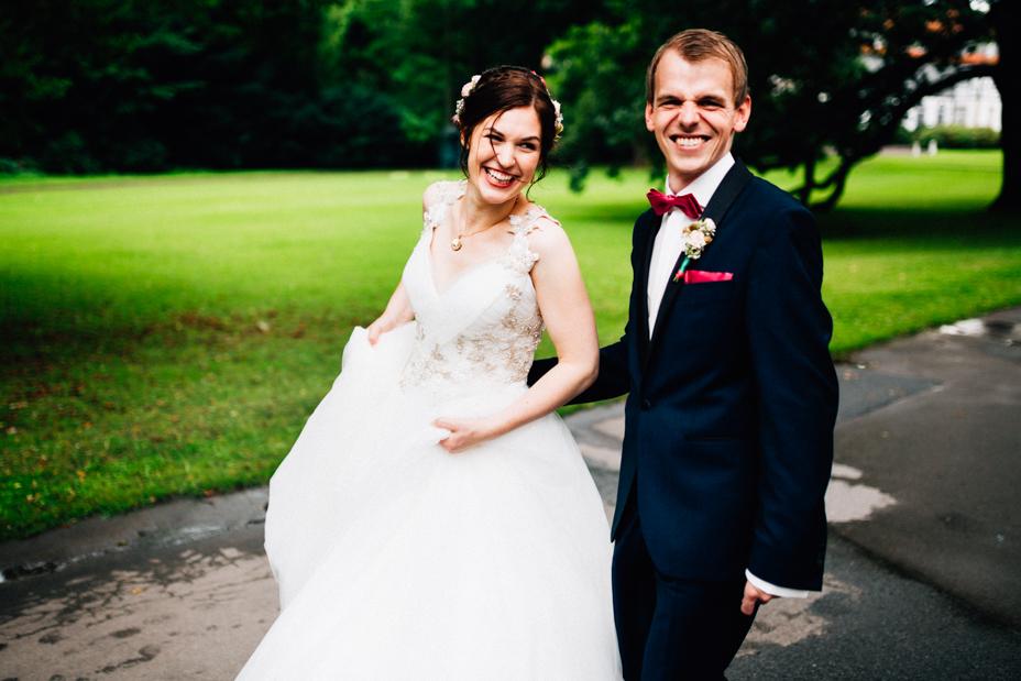 Hochzeitsfotograf-Kassel-Bad Driburg-Graeflicher Park-Inka Englisch Photography-Hochzeitsreportage-Regenhochzeit-entspannt-storytelling-wedding photographer-64