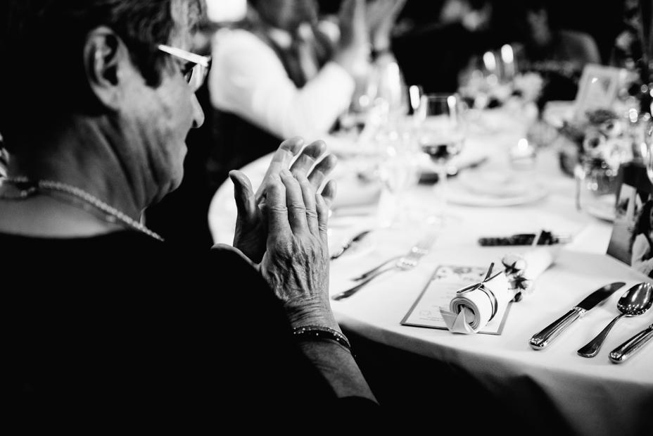 Hochzeitsfotograf-Kassel-Bad Driburg-Graeflicher Park-Inka Englisch Photography-Hochzeitsreportage-Regenhochzeit-entspannt-storytelling-wedding photographer-85