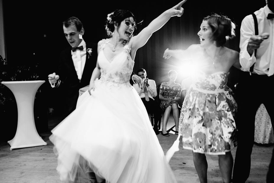 Hochzeitsfotograf-Kassel-Bad Driburg-Graeflicher Park-Inka Englisch Photography-Hochzeitsreportage-Regenhochzeit-entspannt-storytelling-wedding photographer-97