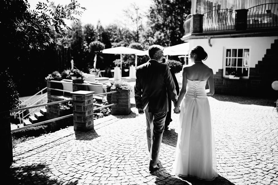 Maritime Hochzeit in der Traumkulisse Hoher Darsberg Hochzeitsfotograf-Kassel Frankfurt Wiesbaden Hoher Darsberg Inka Englisch Photography Hochzeitsreportage Storytelling first look