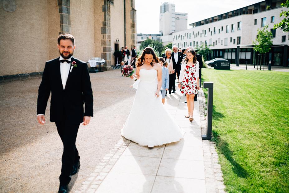 Freie Hochzeit im Kloster Haydau Hochzeitsfotografie Kassel Morschen Hochzeitsfotograf Wedding Photographer Ganztagesreportage Gratulation Sektempfang