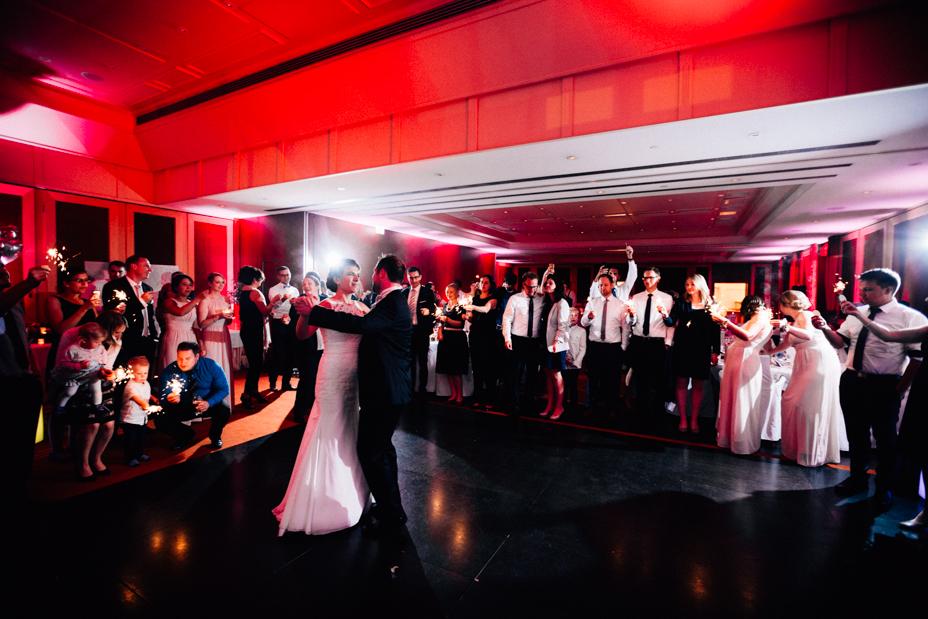 Hochzeit voller magic moments Fotograf Hotel Zur Sonne Hochzeitsfotografie Kassel Frankenberg Hochzeitsfotograf Wedding Photographer Ganztagesreportage Party
