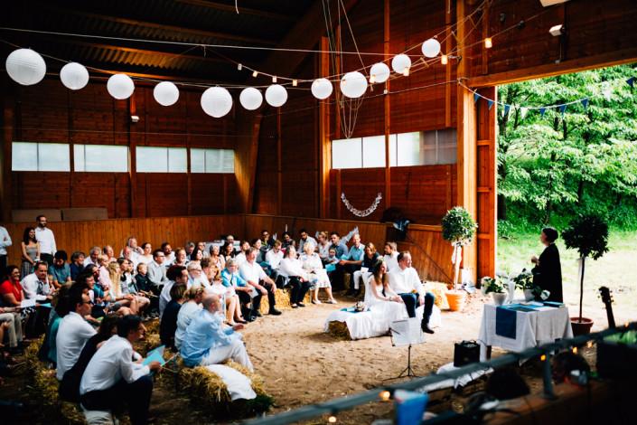 Hochzeitsfotograf Hochzeitsreportage Ganztagesreportage Storytelling Lifestyle Trauung Reithalle Fohlenweide