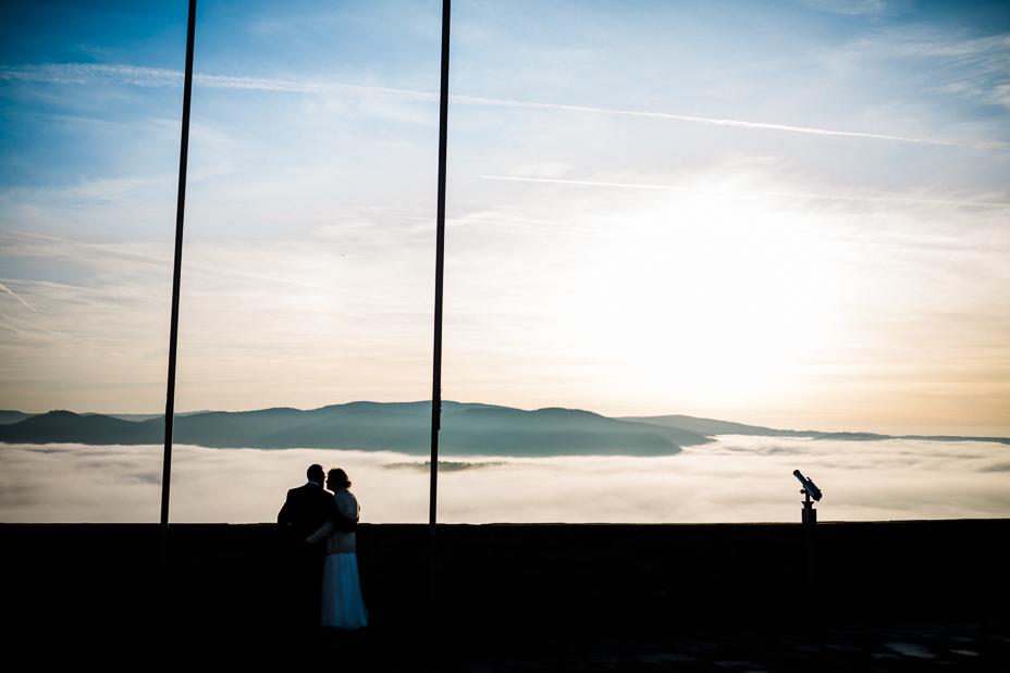 ochzeitsfotograf Wedding Photography Hochzeitsreportage Kassel Frankfurt Würzburg Hannover Hamburg München Vorbereitungen Getting Ready 2020 Winter Hochzeit zu zweit auf Schloss Waldeck Edersee Schloss Waldeck