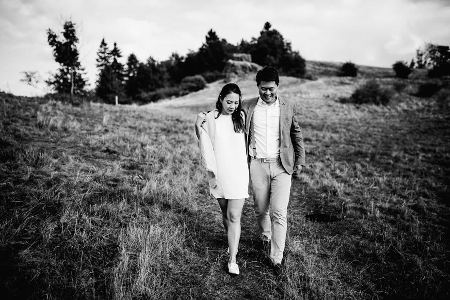 episches Paarshoot voller Liebe ... Engagementshoot im Raum Kassel Coupleshoot Inka Englisch Photography 2020 Paarshooting Verlobung Hochzeitsfotograf Wiesbaden indonesische Hochzeit Loveshoot Lifestyle