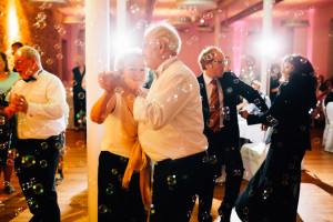 Freie Hochzeit im Kloster Haydau Hochzeitsfotografie Kassel Morschen Hochzeitsfotograf Wedding Photographer Ganztagesreportage freie Trauung Sora Feier Party