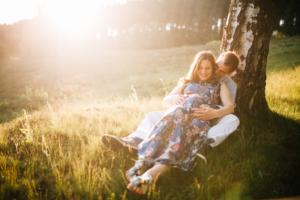 Babybauch Romantik Babybauchshooting Kassel 2018 Inka Englisch Photography Schwangerschaft Babybauch Fotograf Sonnenuntergang Natur
