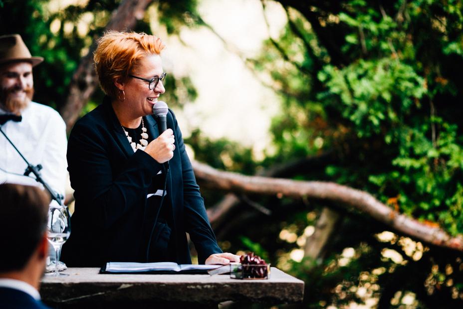 emotionale Hochzeit im Bergpark Wilhelmshöhe Kaskadenwirtschaft Grischaefer Inka Englisch 2018 freie Trauung Reportage Sabine Blaschek