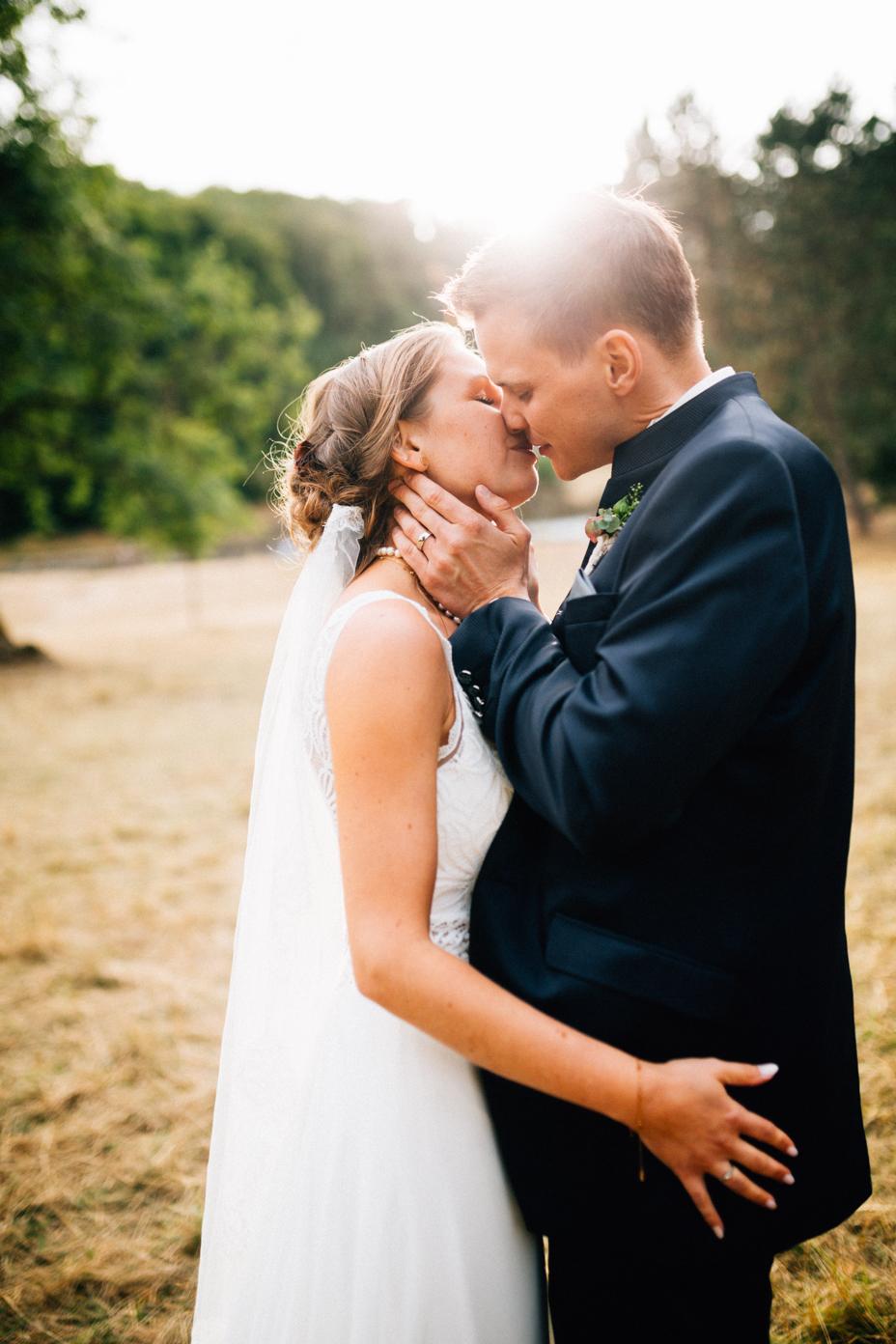 emotionale Hochzeit im Bergpark Wilhelmshöhe Kaskadenwirtschaft Grischaefer Inka Englisch 2018 freie Trauung Reportage Portraits Sonnenuntergang
