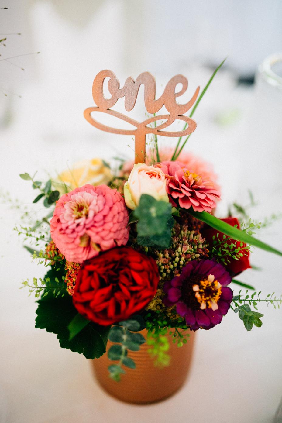 emotionale Hochzeit im Bergpark Wilhelmshöhe Kaskadenwirtschaft Grischaefer Inka Englisch 2018 freie Trauung Reportage Tischdeko