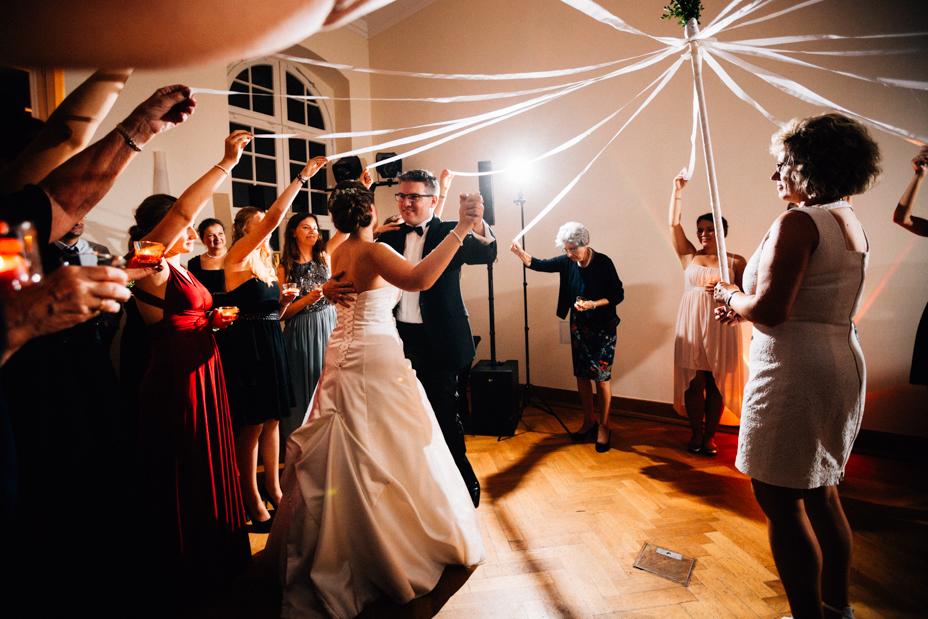Hochzeitsfotograf Kassel Kloster Haydau Morschen Inka Englisch 2018 Reportage Orangerie Feier Hochzeitstanz