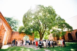 Wenn das Herz JA sagt ... Hochzeit im Kloster Chorin Hochzeitsfotograf Kassel Inka Englisch Photography Wedding Deko Hochzeitsreportage Berlin Landhof Liepe Sommer Trauung Sektempfang