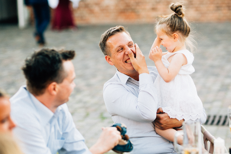 Wenn das Herz JA sagt ... Hochzeit im Kloster Chorin Hochzeitsfotograf Kassel Inka Englisch Photography Wedding Deko Hochzeitsreportage Berlin Landhof Liepe Sommer Portraits